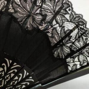 Abanico en color negro para madrina y celebraciones